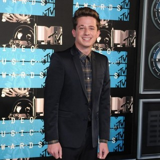 Charlie Puth in 2015 MTV Video Music Awards - Arrivals