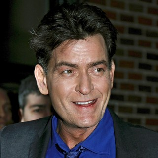 Charlie Sheen in Celebrities Arrive for The Late Show with David Letterman - charlie-sheen-late-show-with-david-letterman-01