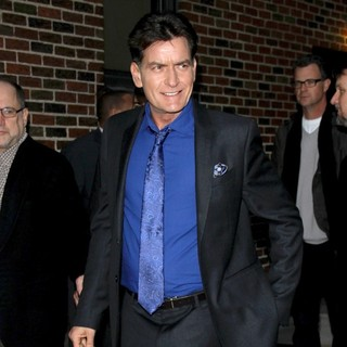 Charlie Sheen in Celebrities Arrive for The Late Show with David Letterman - charlie-sheen-late-show-with-david-letterman-03