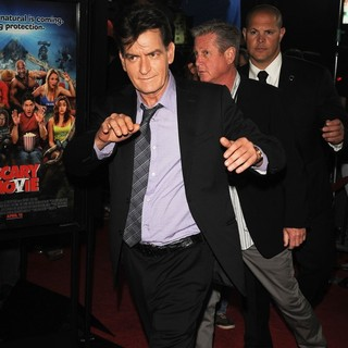 Charlie Sheen in Los Angeles Premiere of Scary Movie 5 - charlie-sheen-premiere-scary-movie-5-02
