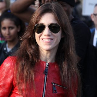 Charlotte Gainsbourg in Paris Fashion Week Womenswear Spring-Summer 2015 - Louis Vuitton - Arrivals - charlotte-gainsbourg-paris-fashion-week-womenswear-spring-summer-2015-01
