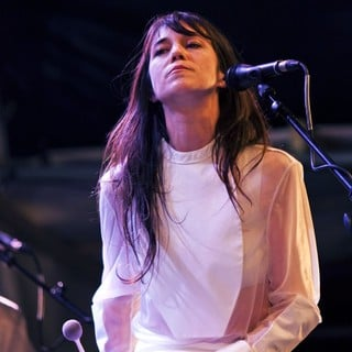 Charlotte Gainsbourg Performing Live During The Summer Series - charlotte-gainsbourg-performing-live-summer-series-01