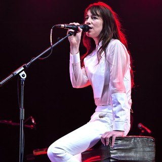 Charlotte Gainsbourg Performing Live During The Summer Series - charlotte-gainsbourg-performing-live-summer-series-04