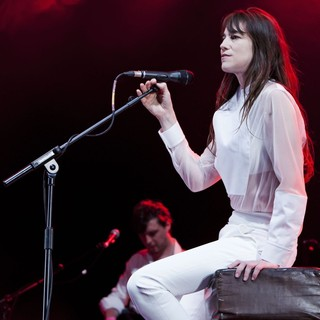 Charlotte Gainsbourg Performing Live During The Summer Series - charlotte-gainsbourg-performing-live-summer-series-06