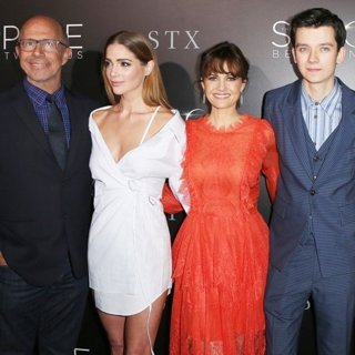 Peter Chelsom, Janet Montgomery, Carla Gugino, Asa Butterfield, Brittany Robertson-Premiere of STX Entertainment's The Space Between Us