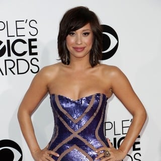 Cheryl Burke in The 40th Annual People's Choice Awards - Arrivals - cheryl-burke-40th-annual-people-s-choice-awards-02