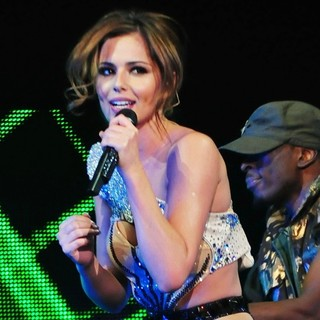 Cheryl Cole - Cheryl Cole Performing Live