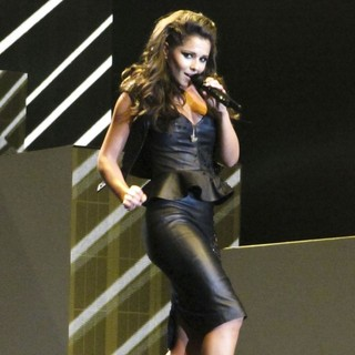 Cheryl Cole Performing Live in Concert - cheryl-cole-performing-live-in-concert-11