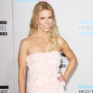 Cheryl Hines in 2011 American Music Awards - Arrivals