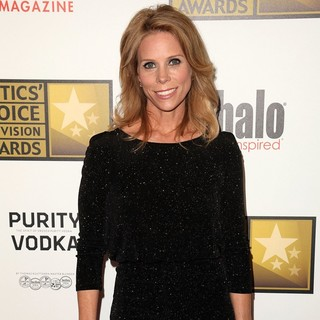 Cheryl Hines in 2012 Critics' Choice TV Awards - Arrivals