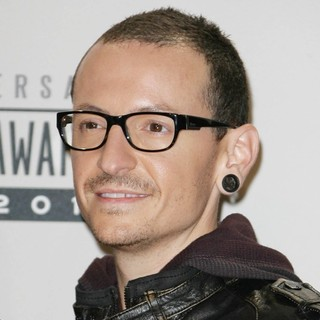 Chester Bennington, Linkin Park in The 40th Anniversary American Music Awards - Press Room