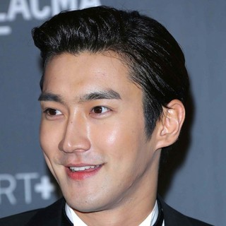 Super Junior in LACMA 2012 Art + Film Gala - Arrivals - choi-siwon-lacma-2012-01