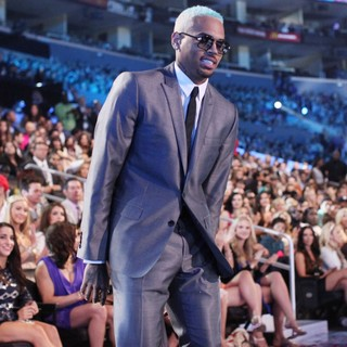 Chris Brown in 2012 MTV Video Music Awards - Show