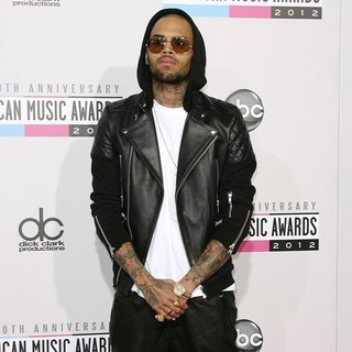 Chris Brown in The 40th Anniversary American Music Awards - Arrivals