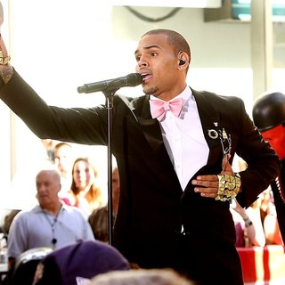 Chris Brown - Chris Brown Performing Live as Part of The Today Show's Summer Concert Series