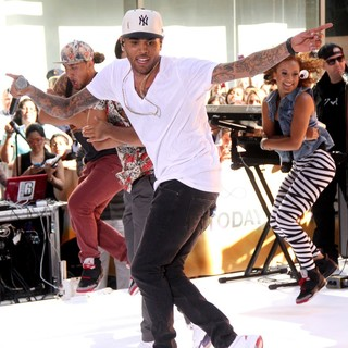 Chris Brown in Chris Brown Performs Live as Part of The Today Show's Concert Series