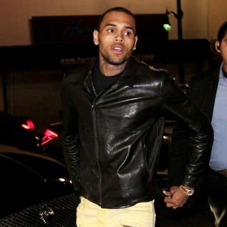 Chris Brown in Chris Brown Returns to His Lamborghini Car After A Night Out at The Supper Club