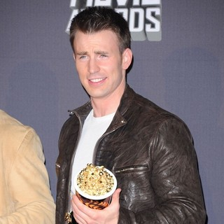 Chris Evans in 2013 MTV Movie Awards - Press Room