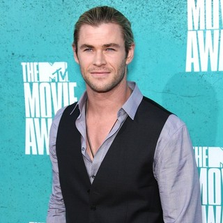 Chris Hemsworth in 2012 MTV Movie Awards - Arrivals