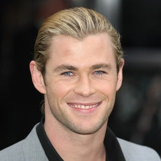 Chris Hemsworth in World Premiere of Snow White and the Huntsman - Arrivals