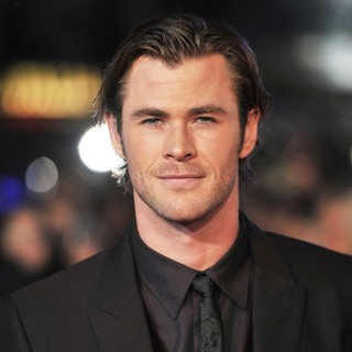 Chris Hemsworth in The World Premiere of Thor: The Dark World - Arrivals