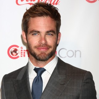 Chris Pine in 2013 CinemaCon Big Screen Achievement Awards