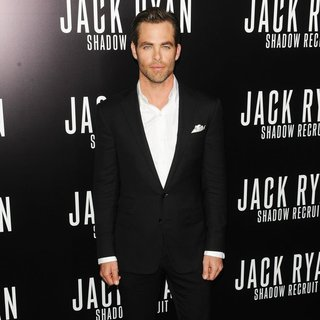 Chris Pine in Los Angeles Premiere of Jack Ryan: Shadow Recruit - Red Carpet Arrivals