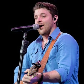 Chris Young Performs Live During His My Kind of Party Tour - chris-young-performs-live-my-kind-of-party-tour-09
