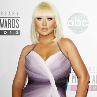 Christina Aguilera in The 40th Anniversary American Music Awards - Arrivals - christina-aguilera-40th-anniversary-american-music-awards-02