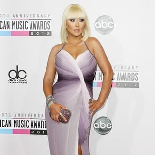 Christina Aguilera in The 40th Anniversary American Music Awards - Arrivals - christina-aguilera-40th-anniversary-american-music-awards-03