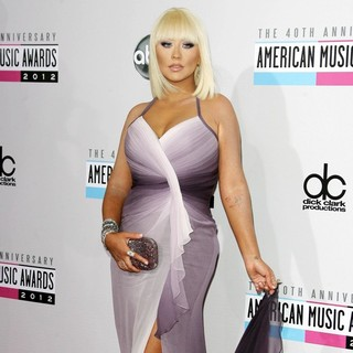 Christina Aguilera in The 40th Anniversary American Music Awards - Arrivals - christina-aguilera-40th-anniversary-american-music-awards-04