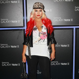 Christina Aguilera in Samsung Mobile Launch Party for The New Samsung Galaxy Note II - Arrivals - christina-aguilera-launch-samsung-galaxy-note-ii-03