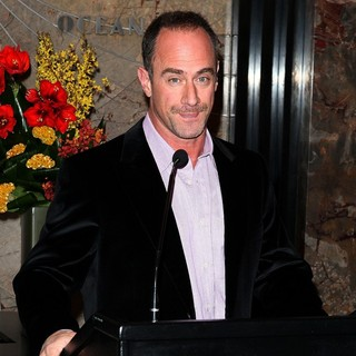 Christopher Meloni in Christopher Meloni Lights Up The Empire State Building in Honour of Only Make Believe Organization
