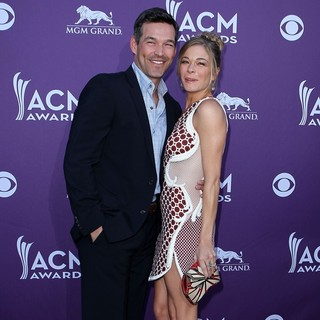 Eddie Cibrian, LeAnn Rimes in 2012 ACM Awards - Arrivals