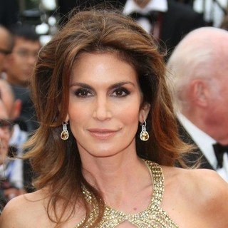 Cindy Crawford in Opening Ceremony of The 66th Cannes Film Festival - The Great Gatsby - Premiere - cindy-crawford-66th-cannes-film-festival-01