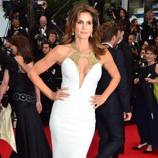 Cindy Crawford in Opening Ceremony of The 66th Cannes Film Festival - The Great Gatsby - Premiere - cindy-crawford-66th-cannes-film-festival-07