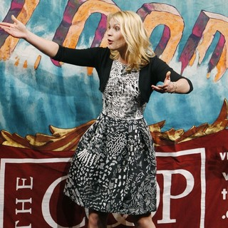 Claire Danes in Awards Ceremony of Harvard University's Hasty Pudding Theatricals Woman of the Year