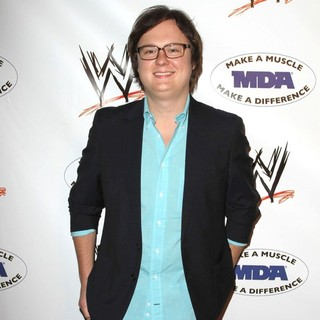 Clark Duke in WWE and The Muscular Dystrophy Association Join Forces to Present The Annual WWE SummerSlam Kick-Off