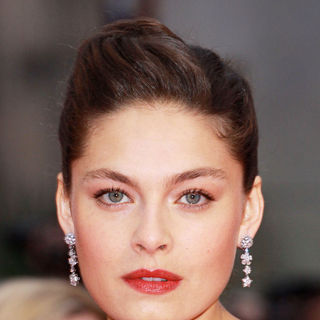 Alexa Davalos in 'Clash of the Titans' UK Film Premiere - Arrivals - clash_of_the_titans_009_wenn5452019