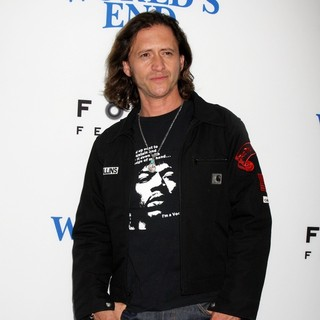 Clifton Collins Jr. in The World's End Hollywood Premiere - clifton-collins-jr-premiere-the-world-s-end-04
