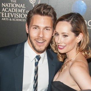 Scott Clifton, Nicole Lampson in The 40th Annual Daytime Emmy Awards - Arrivals