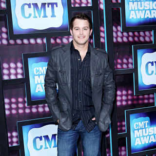 Easton Corbin in 2010 CMT Music Awards Blue Carpet Arrivals