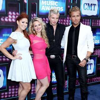 Gloriana in 2010 CMT Music Awards Blue Carpet Arrivals - cmt_awards_23_wenn2882377