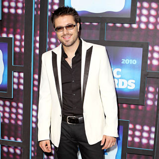 Danny Gokey in 2010 CMT Music Awards Blue Carpet Arrivals