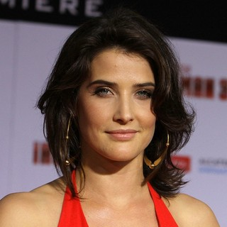 Cobie Smulders - Iron Man 3 Los Angeles Premiere - Arrivals