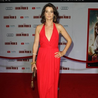Cobie Smulders in Iron Man 3 Los Angeles Premiere - Arrivals