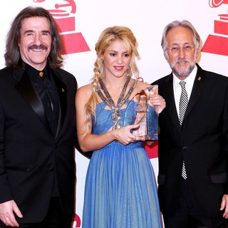 Luis Cobos, Shakira, Neil Portnow in 2011 Latin Recording Academy Person of The Year Tribute to Shakira