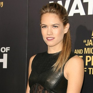Cody Horn in Los Angeles Premiere of End of Watch - cody-horn-premiere-end-of-watch-02