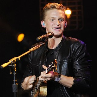 Cody Simpson in Cody Simpson Performs During The Acoustic Sessions Tour