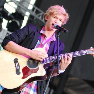 Cody Simpson in B96 Pepsi SummerBash 2011
